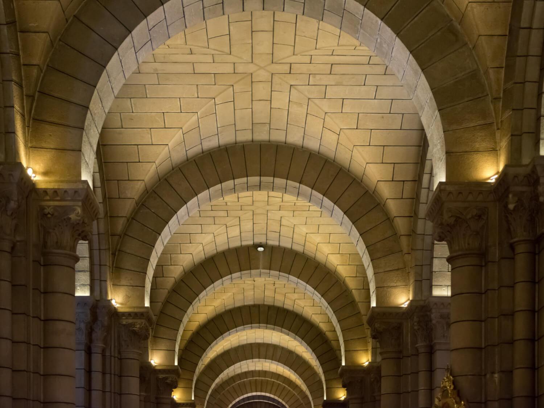 aisle-monaco-cathedral