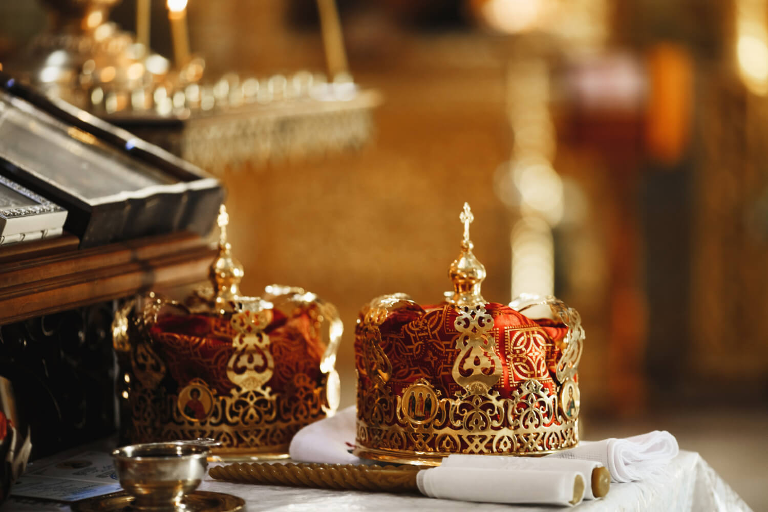 sacral-ritual-crowns-wedlock-cathedral-church-ritual-candles